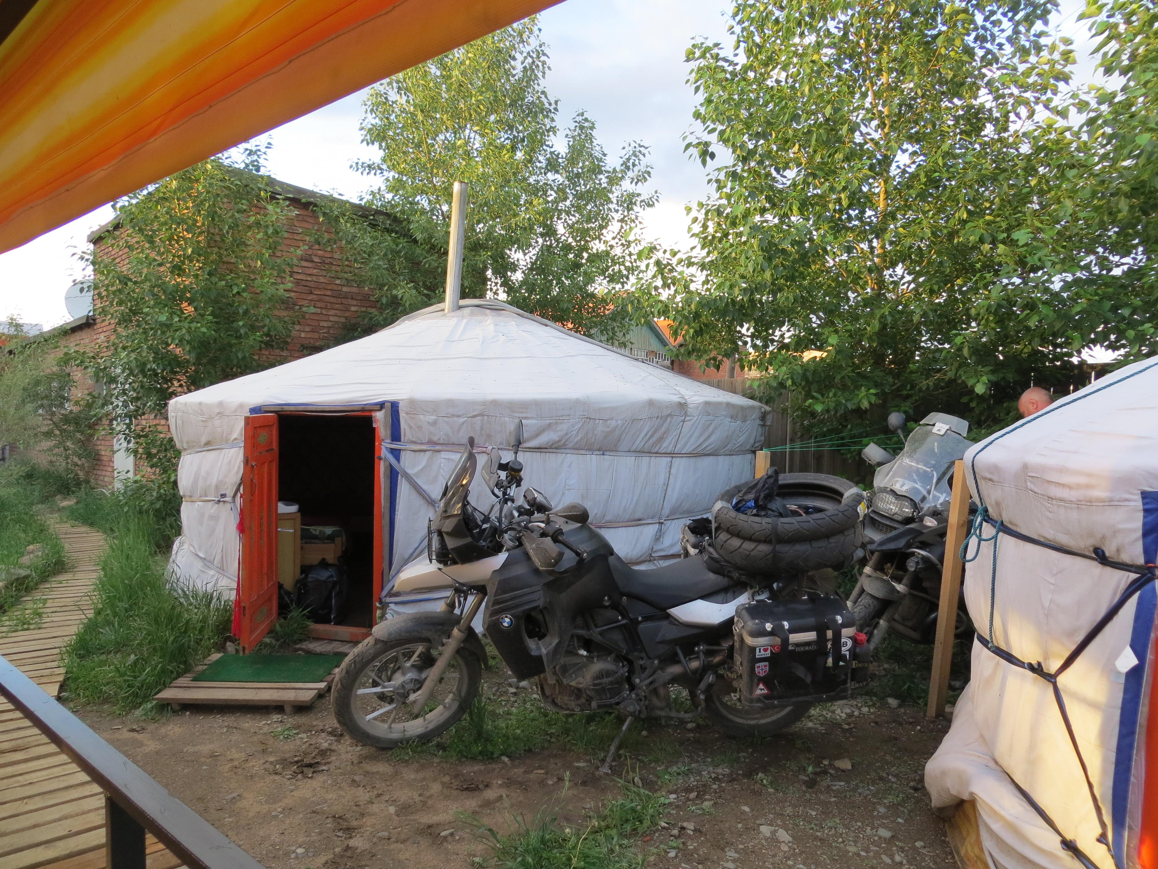 OVERNATTING I GER I MONGOLIA