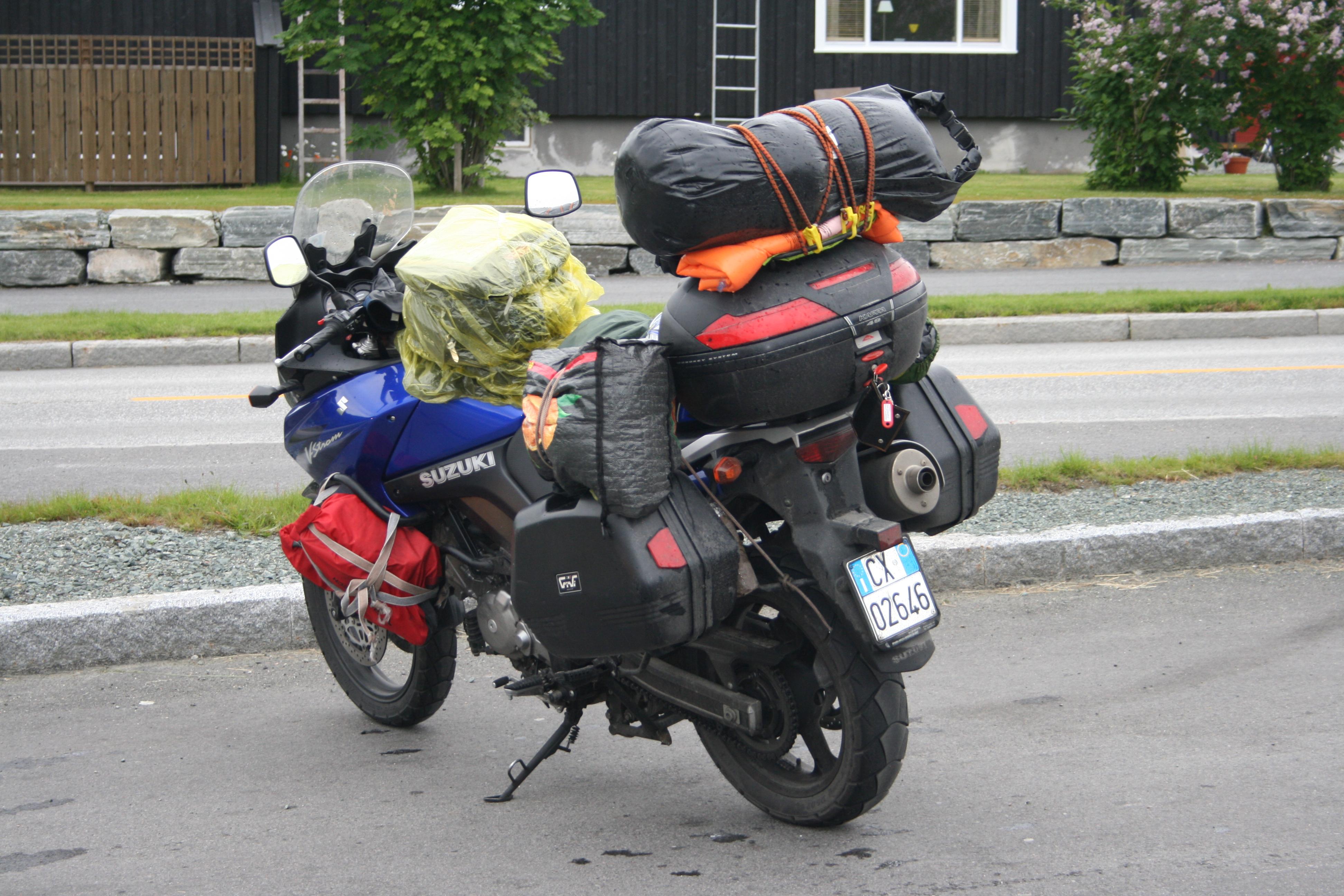 MØTE MED HYGGELIGE ITALIENSKE MOTORSYKLISTER